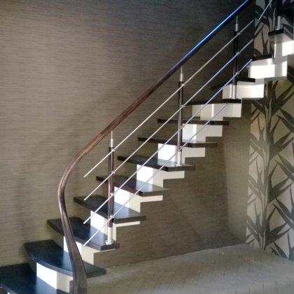 laiptai ant metalo 8