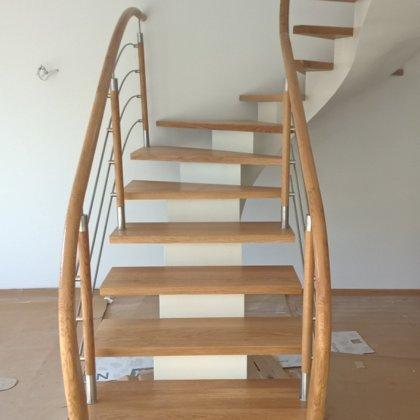 laiptai ant metalo 7