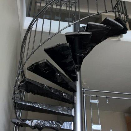 laiptai ant metalo 9