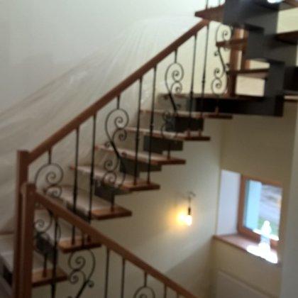 laiptai ant metalo 10